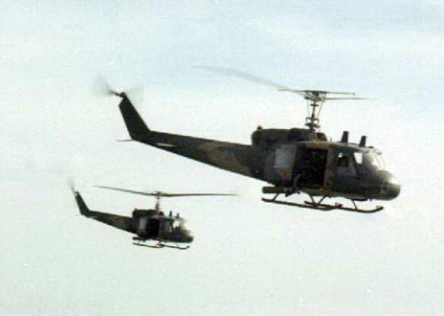 Two 20th SOS choppers on their way to an extraction. (© Jim Green 20th SOS)